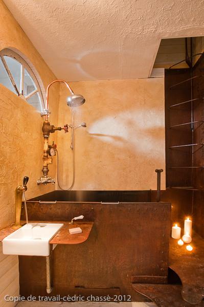 La baignoire douche façon cuve.