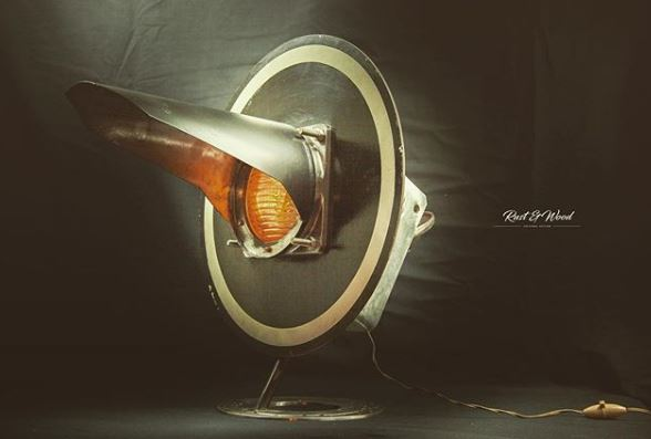 Objet de décoration par excellence. STOP .... la lampe.