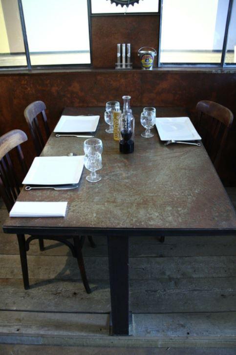 la table du coin indus