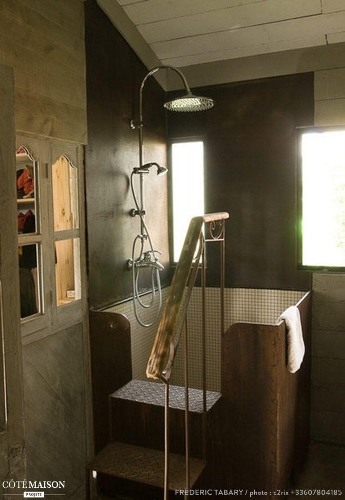 la baignoire cuve le m3 , dans la La maison de Frédéric TABARY
