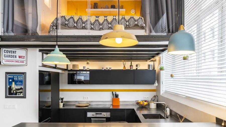 un petit loft tout en lumière, lumière, un petit loft, loft, plaisir, niveaux, niveau, invisibles, invisible, Frédéric TABARY, TABARY, salon, épaisseur, plafond, plancher, matériaux, matériau, estrade, grandes baies, baies, escalier, colimaçon, enfants, sol, translucides, plan travail, architecte, concept, concepteur, architecte d'intérieur,